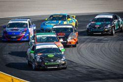 #34 Skullcandy Team Nissan Altima Coupe: Vesko Kozarov, Chris Lock, Lara Tallman