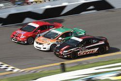 #4 LRT Racing Honda Civic SI: Juan Leroux, Jorge Leroux and #197 RSR Motorsports Honda Civic SI: Tom Dyer, Andrew Novich and #92 HART Honda Civic SI: Steve Eich, John Schmitt