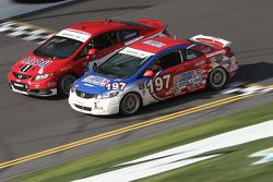 #4 LRT Racing Honda Civic SI: Juan Leroux, Jorge Leroux e #197 RSR Motorsports Honda Civic SI: Corey