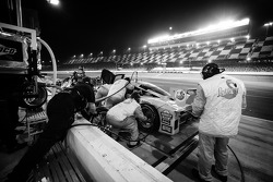 PIt stop for #8 Trabalho no grid Motorsport Ford Riley: Gaetano Ardagna, Jan Charouz, Brendon Hartle