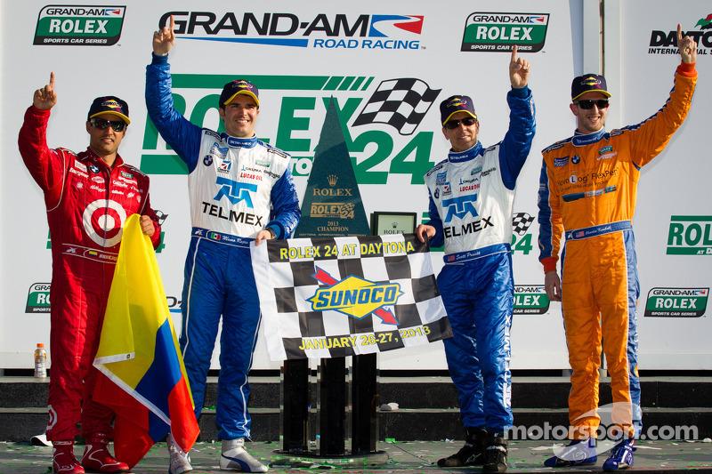 DP podium: overall-winnaars Charlie Kimball, Juan Pablo Montoya, Scott Pruett, Memo Rojas vieren de
