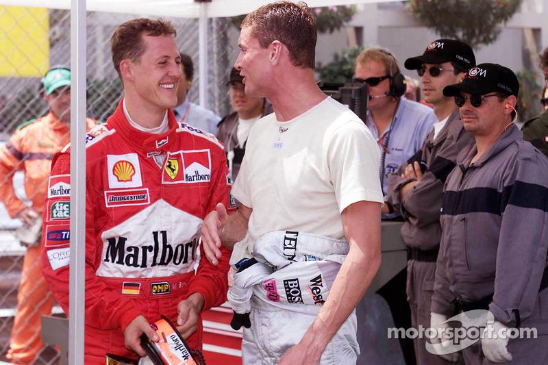 Ganador de la pole Michael Schumacher, y tercer puesto David Coulthard