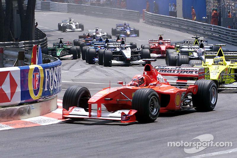 Partenza: Michael Schumacher in testa