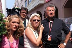 Michael Schumacher, son manager Willi Weber et son épouse Corinna Schumacher