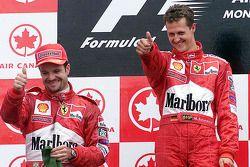 Podio: il vincitore della gara Michael Schumacher, il secondo classificato Rubens Barrichello