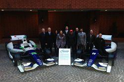 Тони Канаан и Симона де Сильвестро. Презентация раскраски KV Racing, презентация.