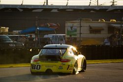 #80 TruSpeed Motorsports Porsche GT3: Kelly Collins, Phil Fogg, Tom Haacker, Jim Walsh in de problem