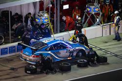 Pit stop #73 Park Place Motorsports Porsche GT3: Daniel Graeff, Jason Hart, Patrick Lindsey, Patrick