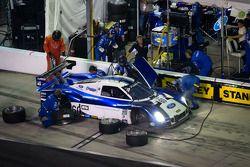 Pit stop #60 Michael Shank Racing Ford Riley: Marcos Ambrose, John Pew, A.J. Allmendinger, Justin Wi