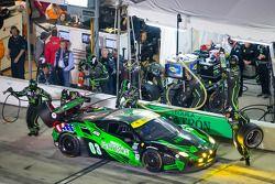 Pit stop #03 Extreme Speed Motorsports Ferrari 458: Ed Brown, Mike Hedlund, Scott Sharp, Johannes va