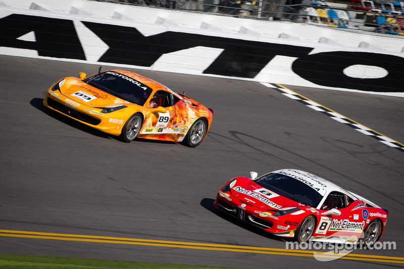 #89 Ferrari of Ontario Ferrari 458: Ryan Ockey en #8 Ferrari of Fort Lauderdale Ferrari 458