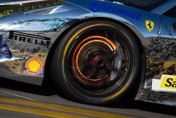 Disco incandescente de freio no #88 Ferrari de San Francisco Ferrari 458: Gerald Vento
