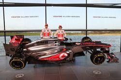 Jenson Button, McLaren ve Sergio Perez, McLaren ve yeni McLaren MP4-28