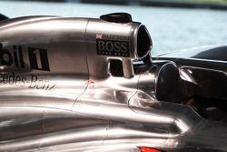 McLaren MP4-28 motor kapağı detay