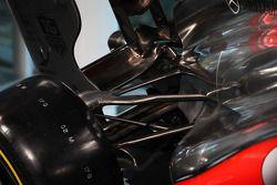 McLaren MP4-28 rear suspension detay
