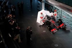 Sergio Pérez, McLaren y Jenson Button, McLaren revelan el nuevo McLaren MP4-31