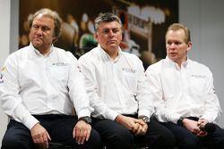 Bob Fernley, Sahara Force India F1 Team Deputy Team Principal with Otmar Szafnauer, Sahara Force Ind