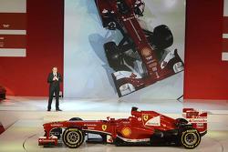 Stefano Domenicali mit dem Ferrari F138