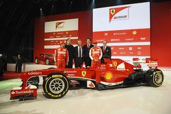 Felipe Massa, Sergio Marchionne, Luca di Montezemolo, John Elkann, Fernando Alonso und Stefano Domen