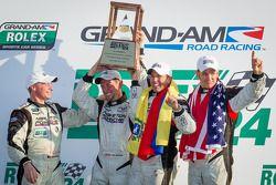 GX podio: vencedores da classe Nelson Canache, Shane Lewis, David Donohue, Jim Norman