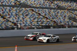 #14 Doran Racing Nissan 370Z: Tim Bell, BJ Zacharias -#71 Multimatic Motorsports Aston Martin Vanta