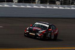 #82 BimmerWorld Racing BMW 328i: Daniel Rogers, Seth Thomas