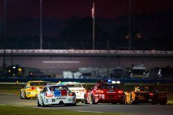 #59 Brumos Racing Porsche GT3: Andrew Davis, Leh Keen, Marc Lieb, Bryan Sellers,#78 Racers Edge Moto