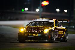 #30 MOMO/NGT Motorsport Porsche GT3: Jakub Giermaziak, Henrique Cisneros, Sean Edwards, Patrick Pile