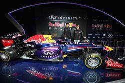 Mark Webber and Sebastian Vettel unveil the Red Bull Racing RB9