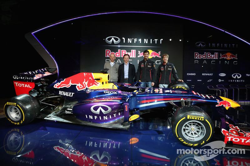 Christian Horner, Adrian Newey, Mark Webber and Sebastian Vettel with the Red Bull Racing RB9