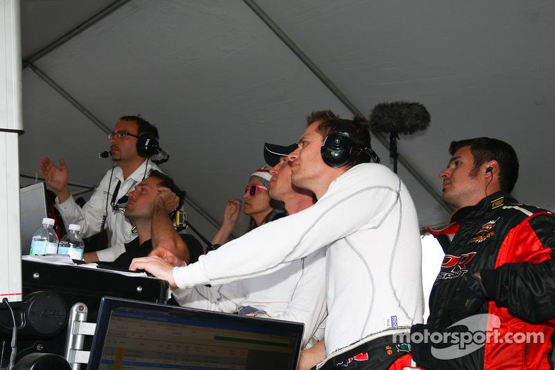 De Audi Sport Customer Racing/Alex Job Racing team viert de zege bij de GTs