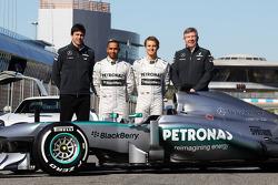 Toto Wolff, Mercedes-Sportchef; Lewis Hamilton, Mercedes AMG F1; Nico Rosberg, Mercedes AMG F1; Ross