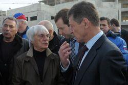 Bernie Ecclestone visita pista Sochi F1