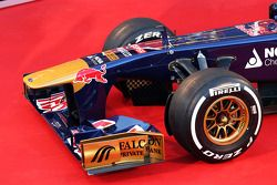 Scuderia Toro Rosso STR8: Frontflügel
