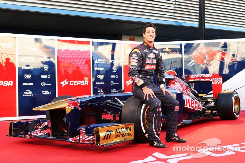 Daniel Ricciardo, Scuderia Toro Rosso met de nieuwe Scuderia Toro Rosso STR8