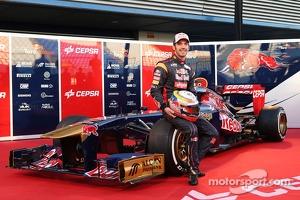 Jean-Eric Vergne, Scuderia Toro Rosso with the new Scuderia Toro Rosso STR8