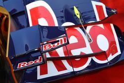 Scuderia Toro Rosso STR8 front wing detail