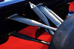 Scuderia Toro Rosso STR8 front suspension