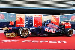 The new Scuderia Toro Rosso STR8