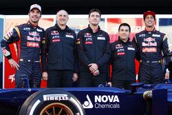 Jean-Eric Vergne, Scuderia Toro Rosso with Franz Tost, Scuderia Toro Rosso Team Principal; James Key