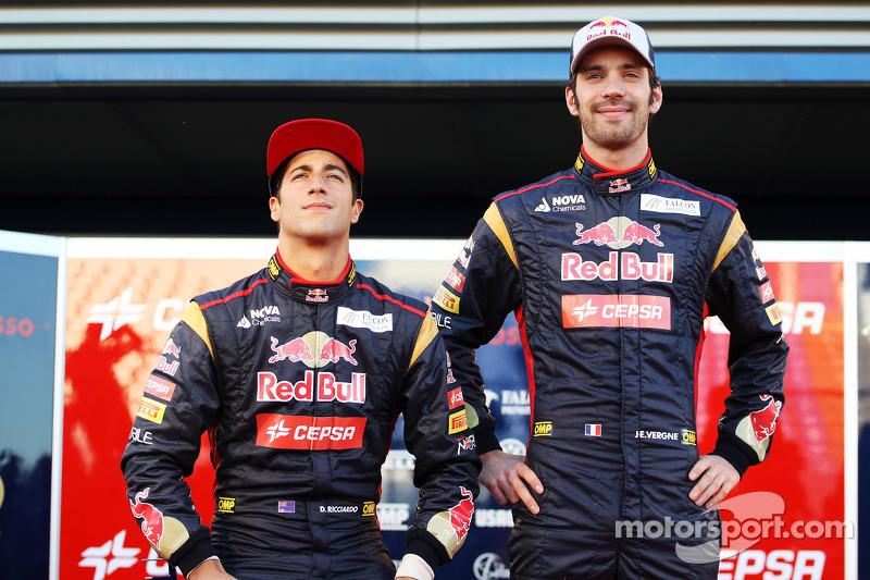 Daniel Ricciardo, Scuderia Toro Rosso met teamgenoot Jean-Eric Vergne, Scuderia Toro Rosso