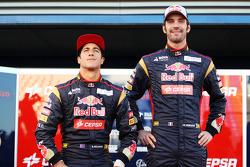 Daniel Ricciardo, Scuderia Toro Rosso with team mate Jean-Eric Vergne, Scuderia Toro Rosso