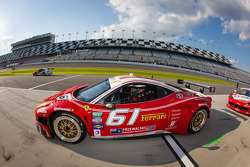 #61 R.Ferri/AIM Motorsport Racing com Ferrari Ferrari 458: Max Papis, Jeff Segal, Toni Vilander, Gia