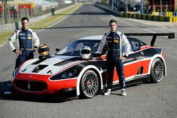 Gabriele Gardel e Alessandro Pier Guidi com a Maserati GranTurismo Mc