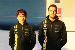 Les deux pilotes Caterham, Charles Pic et Giedo van der Garde
