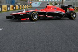 yeni Marussia F1 Team MR02 is unveiled