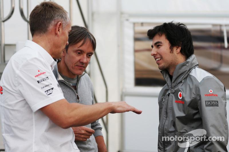 Martin Whitmarsh, McLaren CEO con Adrián Fernández y Sergio Pérez, McLaren