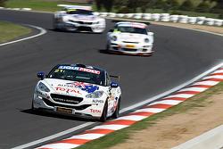 El #21 Peugeot RCZ Cup: Bruce Jouanny, David Wall, Andrew Jones