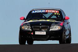 El #27 BMW 130i: Allan Shephard, Justin Garioch, Dylan Thomas