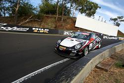 El #4 Grove Group Porsche 997 GT3 Cup: Stephen Grove, Max Twigg, Daniel Gaunt